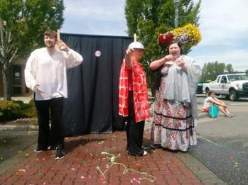 Pyramus & Thisbe Water Balloon Show (2018)